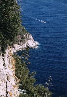 Spanien Urlaub an breiten Stränden und Steilküsten